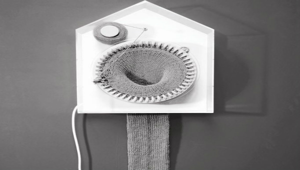 knitting-clock